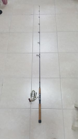 Shimano Sustain 4000FB Fishing Reel With Star Rods Rod for Sale in Pembroke Park, FL