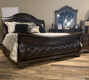 NEW King Arthur Sleigh Bed - Queen or Queen Frame - Sets Also Available for Sale in Charleston, SC