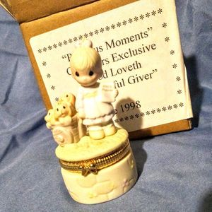 """Precious Moments Hinged Box, With Quote, """" God Loveth A Cheerful Giver"""". for Sale in Brooklyn, NY"""