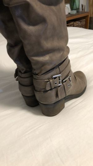 CARLOS Tall boots w/ buckles side zip heels USED for Sale in Moreno Valley, CA