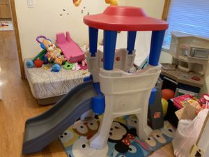 Toddler Slide and House with Stair for Sale in Queens, NY