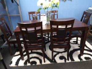 Dining set 6 chairs for Sale in Everett, WA