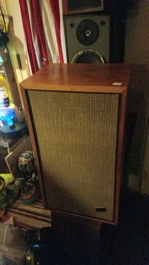 Vintage Marantz Imperial 7 2 way speakers in awesome condition for Sale in Seattle, WA