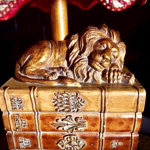 Beautiful decorative accent desk lamp Lion sculpture H20xW9xD6 inch Lbs 6 for Sale in Chandler, AZ