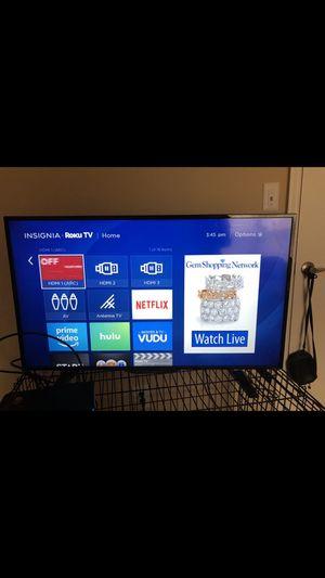 40 inch insignia Roku tv for Sale in Richmond, VA
