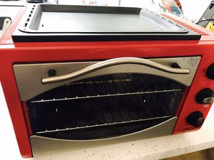 Toaster oven rotisserie,red 10-In-1 Everything Oven by Ginny's for Sale in Tucson, AZ