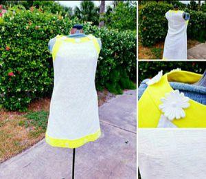 Perfect White & Yellow Vintage 1960's Flower Power Summer Sun Beach Dress Size 12 for Sale in Neptune Beach, FL