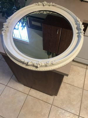 Beautiful Large Oval Antique Mirror Beige/Good Condition for Sale in West Palm Beach, FL