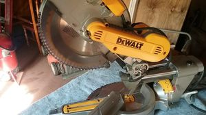 12 inch DeWalt compound miter saw for Sale in Cary, NC