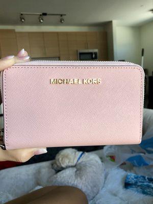 Soft pink Michael Kors wristlet for Sale in Denver, CO