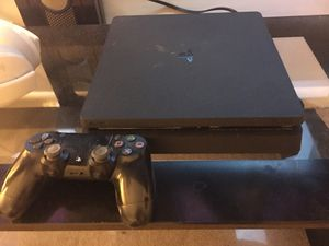 Ps4 Slim comes with 1 controller and PS4 headphones. for Sale in Downers Grove, IL