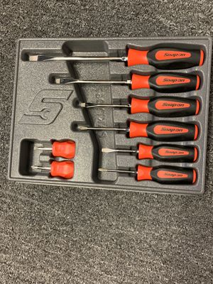 """Snap On Tools - 8 piece soft grip screwdriver set """"Red"""" for Sale in Ripon, CA"""