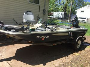 1975 15ft with 150 hp MERCURY for Sale in Moscow Mills, MO