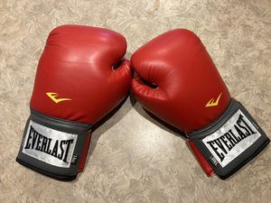 14 oz Red Everlast Boxing Gloves for Sale in Pinellas Park, FL