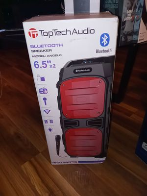 Wireless Bluetooth speaker comes with microphone and remote for Sale in Grand Prairie, TX