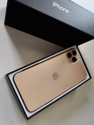IPHONE 11 PRO MAX 256GB UNLOCKED for Sale in Clovis, CA