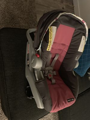 Graco snugride car seat for Sale in Phoenix, AZ