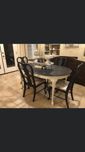 Dining table for Sale in Reedley, CA
