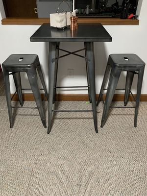 Small tall dining set for Sale in Revere, MA