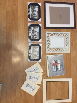 Miscellaneous Lot of Picture Frames for Sale in Puyallup, WA