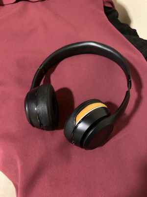 Beats Solo 3 wireless headphones for Sale in Sacramento, CA