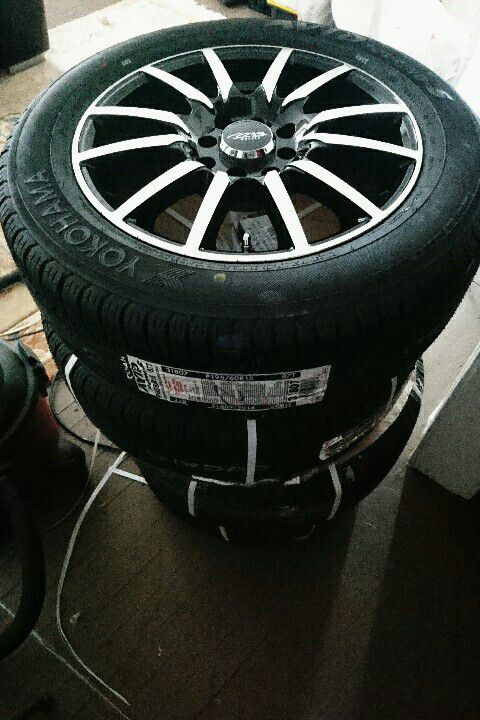 Yokohama 60R15 wheels & tyres