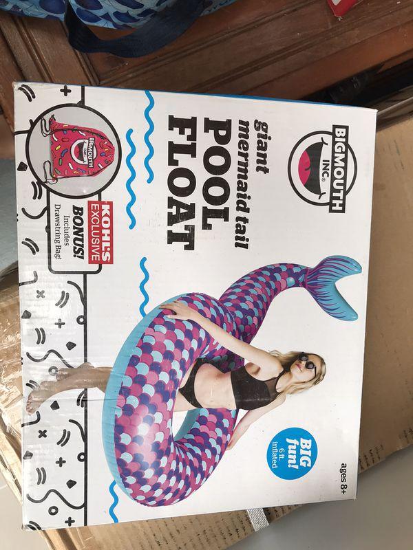 Mermaid pool float