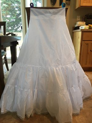 Women's petticoat formal party wedding dress for Sale in Vancouver, WA