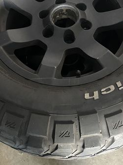 Chevy Tahoe Off Road Wheels 6 Lugs for Sale in Newman,  CA