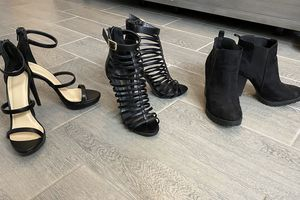 Heels 7.5 for Sale in Bakersfield, CA