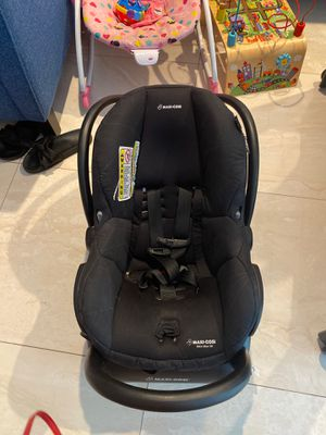 Maxi Cósi car seat infant for Sale in Miami, FL