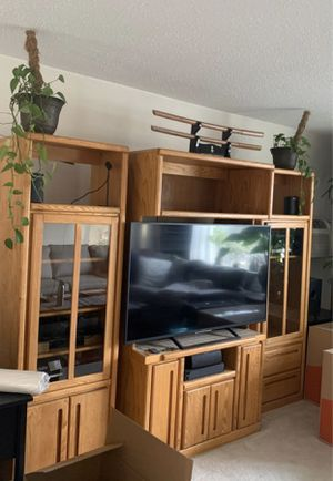 FREE - TV Stand. just the center part. See 2nd pic for Sale in Arlington Heights, IL