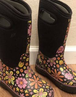 Kids Snow / Rain Waterproof Boots - Size 11 for Sale in Mather,  CA