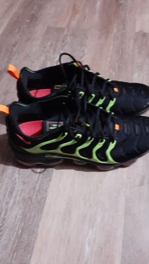 Nike watermelon vapor max exclusive box never worn for Sale in Columbus, OH