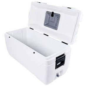 Igloo maxcold cooler 165 quart can hold up to 280 cans of soda up to 168 hours for Sale in West Covina, CA