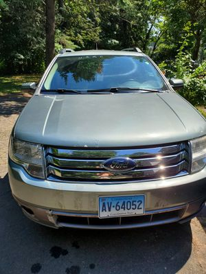 Car for sale 08 Ford Taurus X SEL for Sale in Hartford, CT