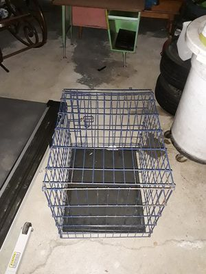 Medium sized steel cage for Animals excellent condition for Sale in Dublin, OH