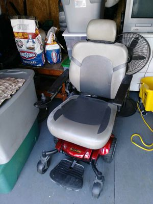 Golden Motorized Chair for Sale in Kannapolis, NC