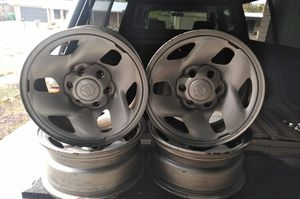 Toyota Tacoma 2002 rims 16 for Sale in Tucson, AZ