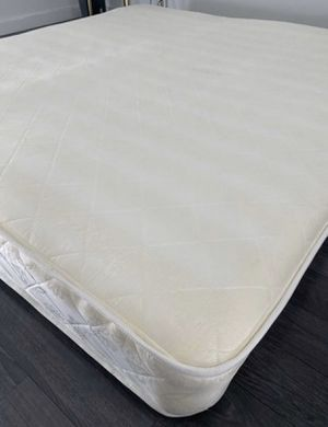 King size mattress for Sale in Miami, FL