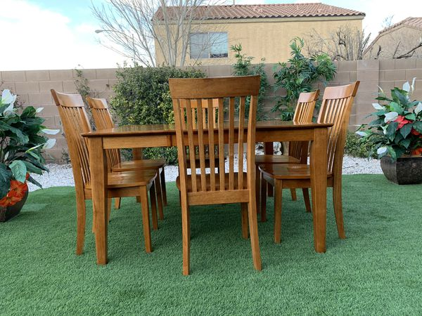 Beautiful Extendable 7 Piece Heavy Wood Dining Table Set