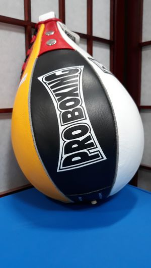Pro boxing speed bag for Sale in Sacramento, CA