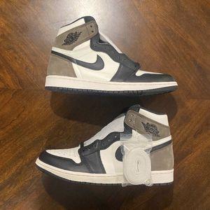 """Air Jordan 1 Retro High OG """"Dark Mocha"""" for Sale in Philadelphia, PA"""