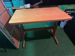 Kitchen table for Sale in Lakewood, OH