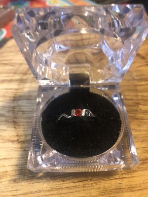 LOVELY STERLING SILVER RUBY SIZE 7 GEMSTONE SOLITAIRE RING for Sale in McDonough, GA