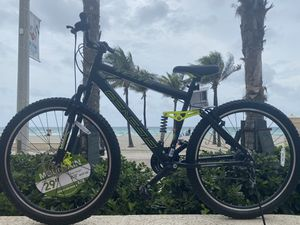 """29"""" GENESIS Mountain bike 🚵🏿♂️💨 lightweight aluminum frame ✅ 21- speed 🏁✅ NEW 🏆✅🌟🌟🌟🌟🌟 for Sale in Hollywood, FL"""
