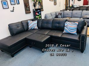 Sectional Sofa w Ottoman for Sale in Los Angeles, CA