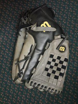 """Wilson 14"""" Baseball Glove for Sale in Marietta, GA"""