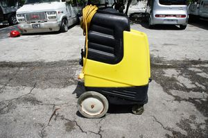 CARPET WASH MACHINE for Sale in Boca Raton, FL