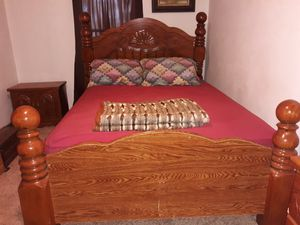Used bedroom set (5 piece set) for Sale in Seneca, IL